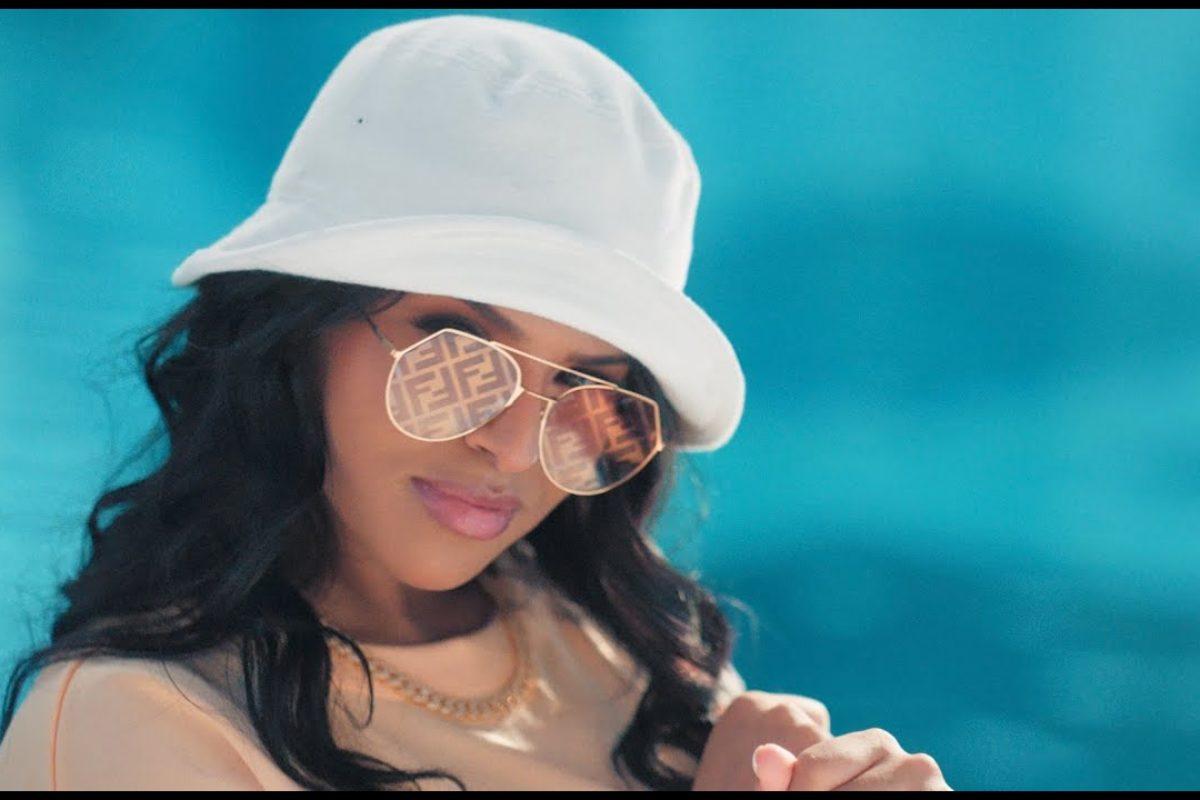 Music video. Imen Es 'Essaie encore'